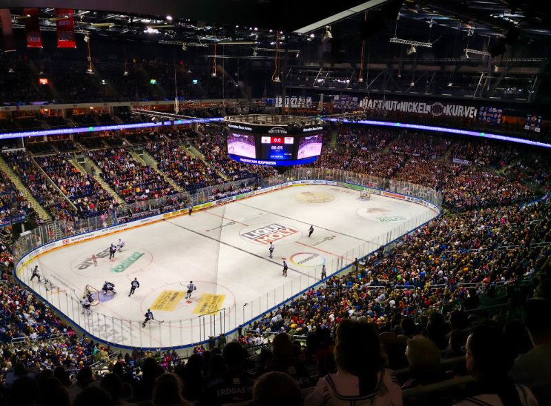 Recording ice hockey crowd sound effects at mercedes benz arena